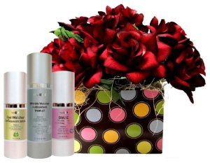 [Free Expedited Shipping] The Luxurious Organic AgeBloc Wrinkle Rewind Pampering Skincare Gift Set I